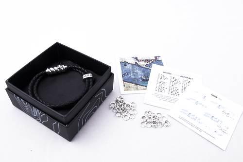 Браслет Magellan та комплект 40 намистин азбуки морзе